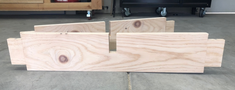 Bottom table stretchers with tenon and lap joints